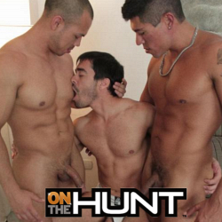 "Hot Manhunt members hook up<br>blow by blow. Now with 101 videos.<br>Get access to On The Hunt and all<br>content apps.<a href=""http://www.tylersroom.net/join.html""target=""_blank""><font color=""red""> Join Today! </font></a>"