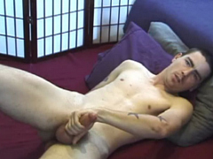 "Hot videos with regular updates!<br>Now with 1342 videos.<br>Access Defiant Boyz and all<br>content apps.<a href=""http://www.tylersroom.net/join.html""target=""_blank""><font color=""red""> Join Today! </font></a>"